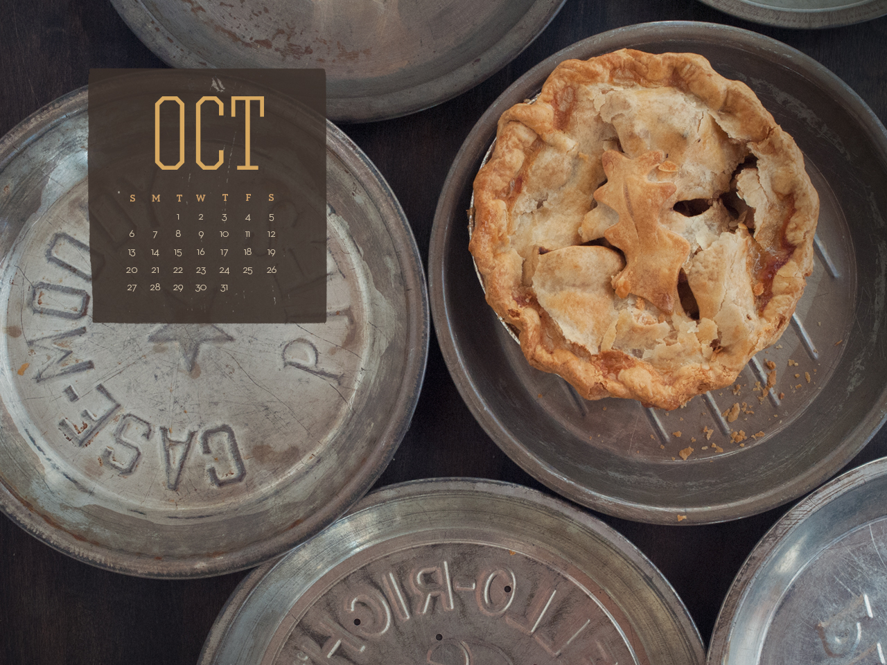 Free October 2013 Desktop Calendar- Apple Pie Time