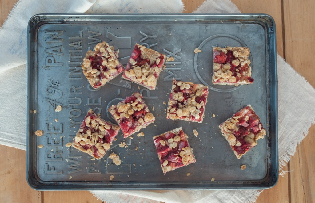 Smitten's Strawberry Rhubarb Crisp Bars