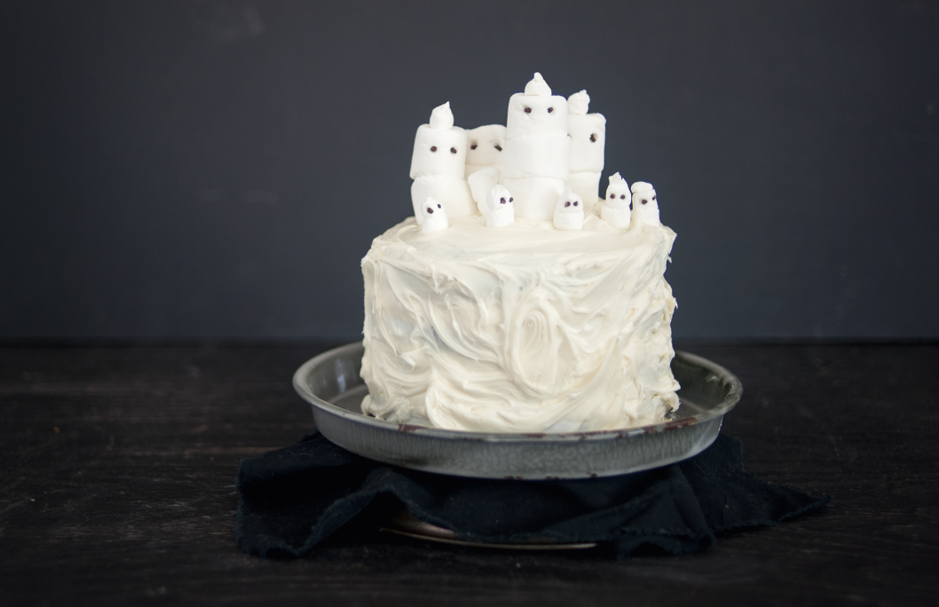 ghost cake and marshmallow ghost cake and chocolate marshmallow ghost ...